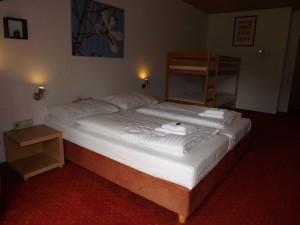 Négyágyas szobák terasszal